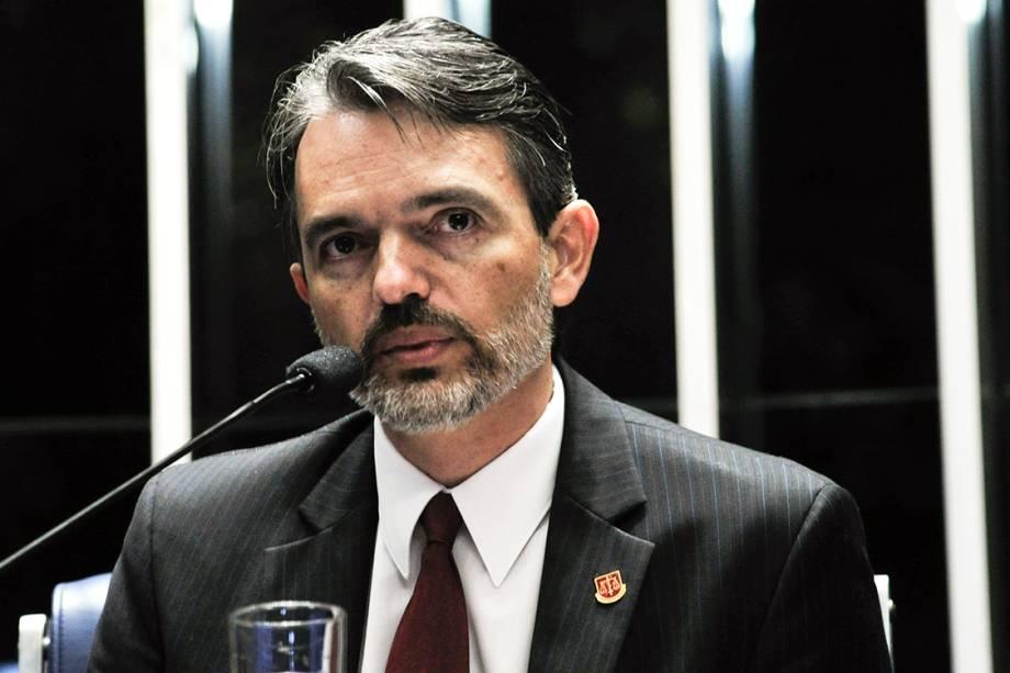 O procurador do Tribunal de Contas da União (TCU), Júlio Marcelo de Oliveira, durante pronunciamento no Senado Federal, em sessão de julgamento do processo de impeachment de Dilma Rousseff - 25/08/2016