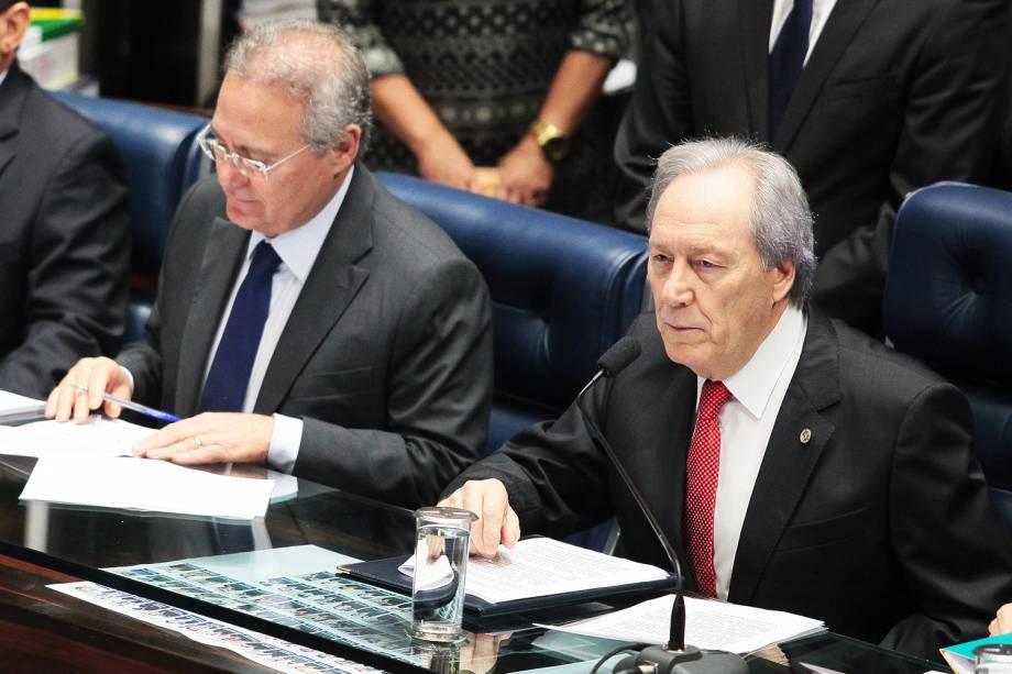 O presidente do Senado Federal, Renan Calheiros, e o presidente do STF (Supremo Tribunal Federal), ministro Ricardo Lewandowski, durante sessão final de julgamento do processo de impeachment da presidente da República afastada Dilma Rousseff , por crime de responsabilidade  - 31/08/2016