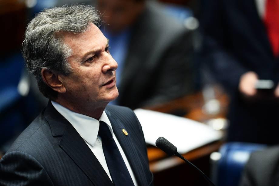 O senador Fernando Collor (PTC-AL), discursa durante sessão de julgamento da presidente afastada Dilma Rousseff, no Senado Federal - 31/08/2016
