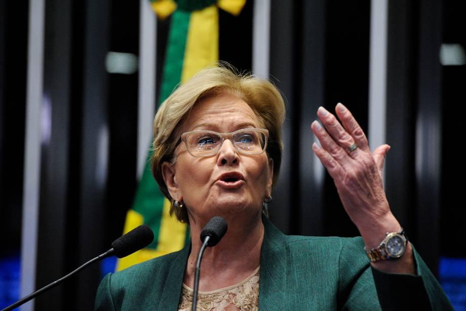 A senadora Ana Amélia(PP-RS)  durante sessão deliberativa extraordinária para votar a Denúncia 1/2016, que trata do julgamento do processo de impeachment da presidente afastada Dilma Rousseff por suposto crime de responsabilidade - 31/08/2016
