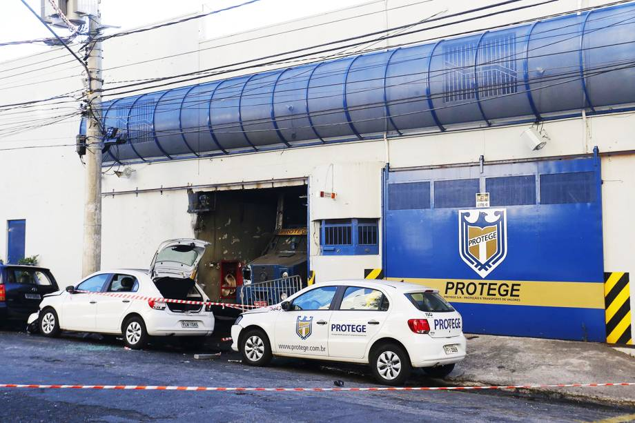 Sede de empresa de transportes de valores Protege, na cidade de Santo André (SP), é invadida por criminosos - 17/08/2016
