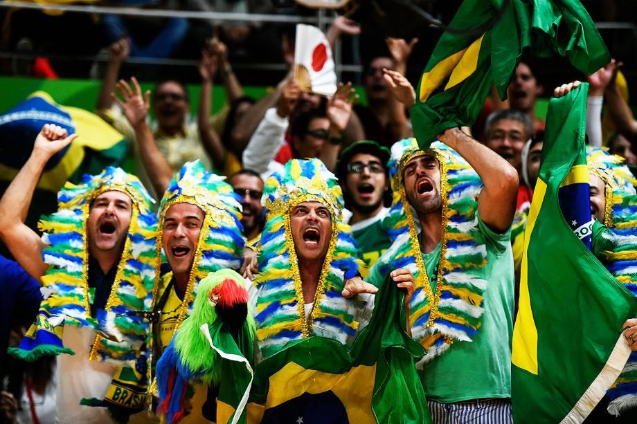 Torcedores do Brasil durante a partida de vôlei feminino contra o Japão, nos Jogos Olímpicos Rio 2016