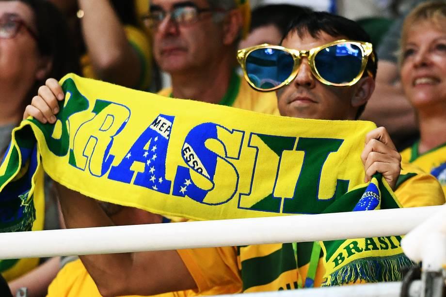 Torcedor do Brasil durante a partida de vôlei feminino contra o Japão, nos Jogos Olímpicos Rio 2016