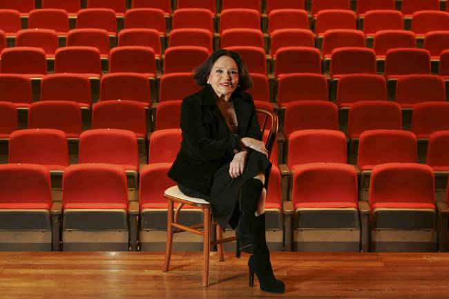 """Bibi Ferreira no Teatro Raul Cortez, onde encena a peça teatral """"Às Favas com os Escrúpulos"""" - 01/12/2007"""