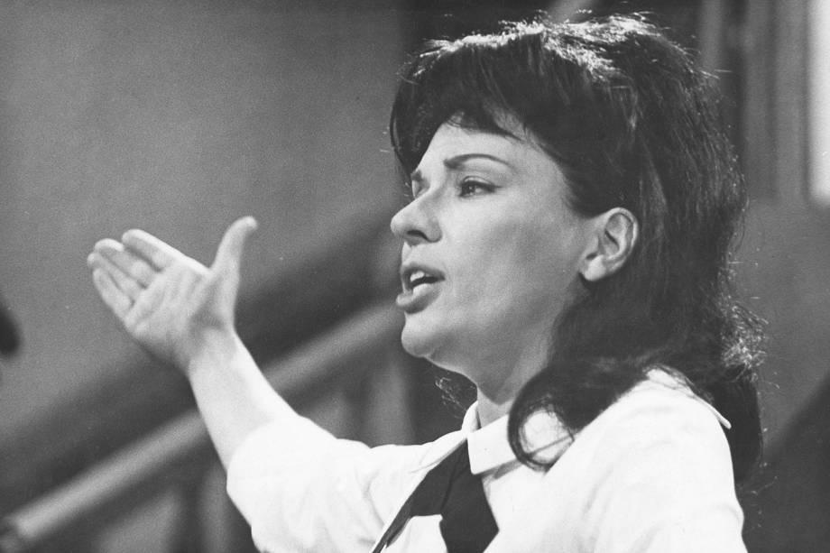 """A atriz e cantora Bibi Ferreira na peça """"My Fair Lady"""" - 16/06/1965"""