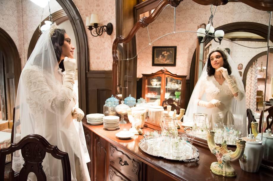 Filomena (Debora Nascimento), em cena da novela 'Êta Mundo Bom'