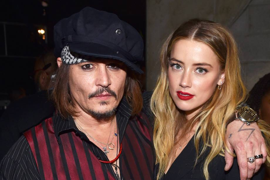 Os atores Johnnt Depp e Amber Heard durante a premiação do Grammy Awards, realizada no Staples Center, em Los Angeles (EUA) - 15/02/2016