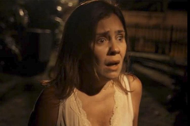Fátima (Adriana Esteves), em cena da minissérie 'Justiça', da TV Globo
