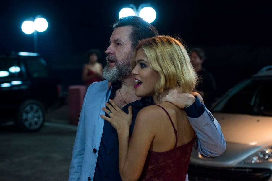 Antenor ( Antonio Calloni ) e Mayara ( Julia Dalavia ), em cena na série 'Justiça', da TV Globo