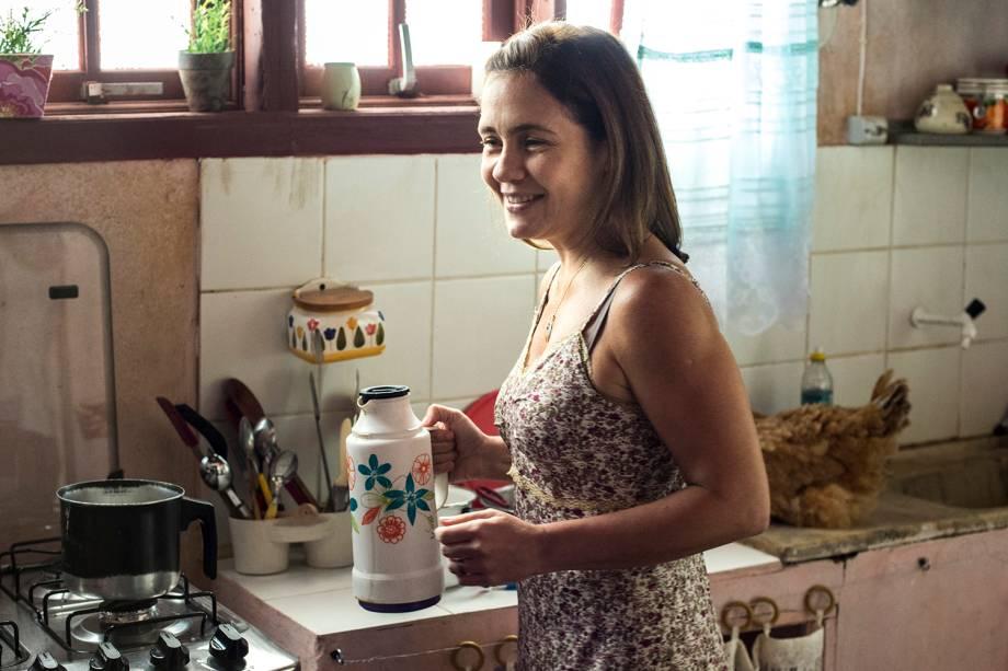 Fátima (Adriana Esteves), em cena da série 'Justiça', da TV Globo