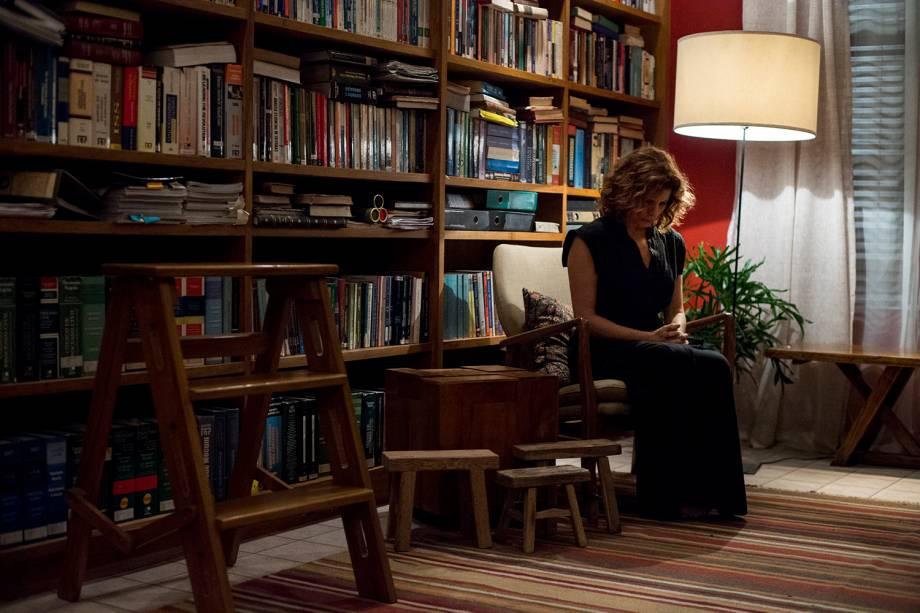 Elisa ( Débora Bloch ), em cena da série 'Justiça', da TV Globo