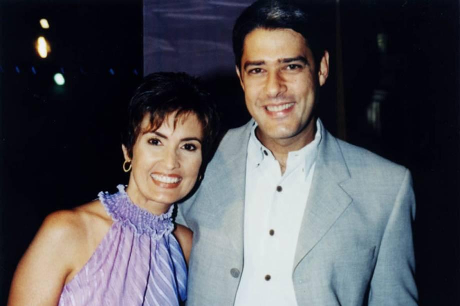 Fátima Bernardes e William Bonner na estreia da peça 'Alta Sociedade', em 2001