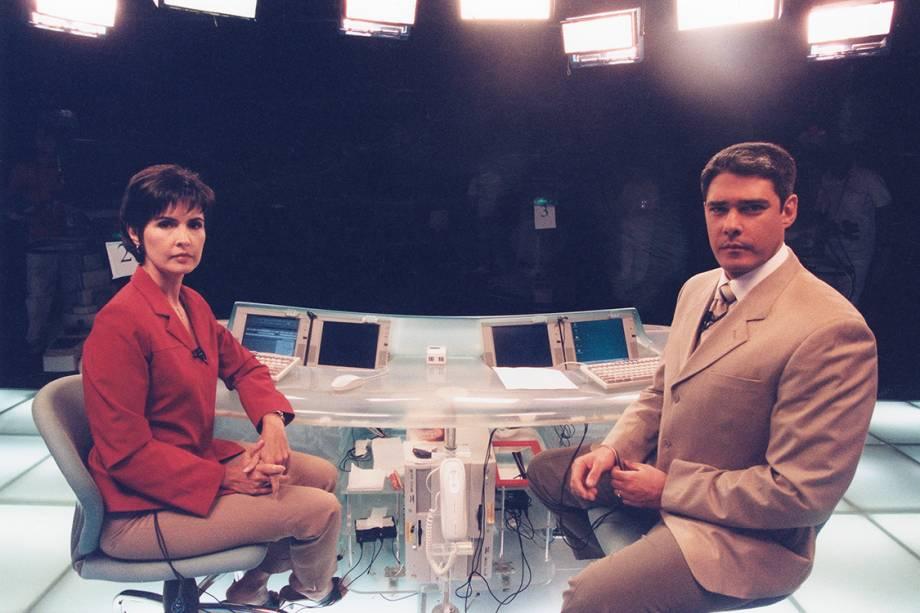 Fátima Bernardes e William Bonner durante intervalo do Jornal Nacional, em 2002