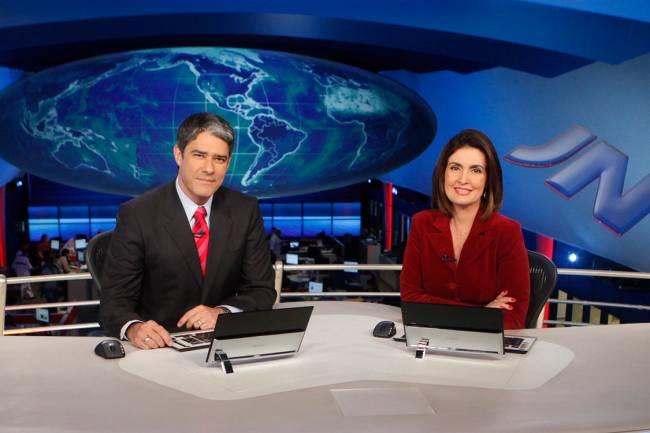 William Bonner e Fátima Bernardes na bancada do Jornal Nacional, em 2011