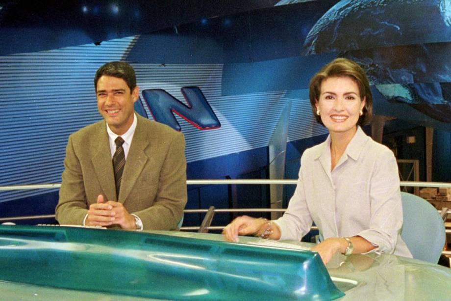 Fátima Bernardes e William Bonner no novo cenário do Jornal Nacional, em 2000