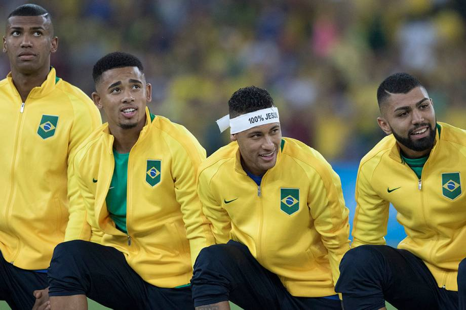 Jogadores do Brasil conquistam a medalha de ouro após vencerem a Alemanha