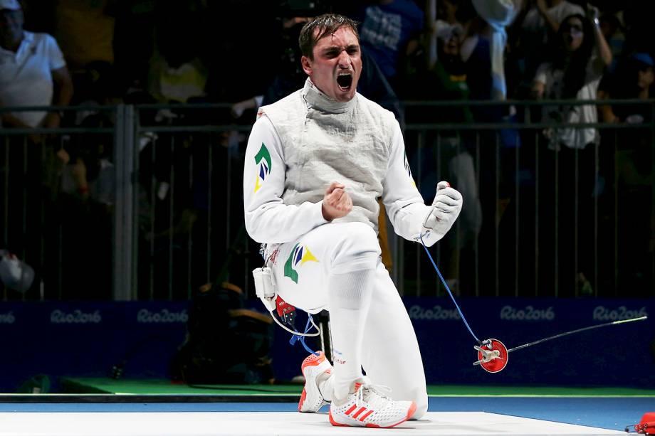 O brasileiro Guilherme Toldo derrota o campeão mundial, o japonês Yuki Ota, e avança para às oitavas-de-final na esgrima individual, categoria florete, na Arena Carioca 3 - 07/08/2016