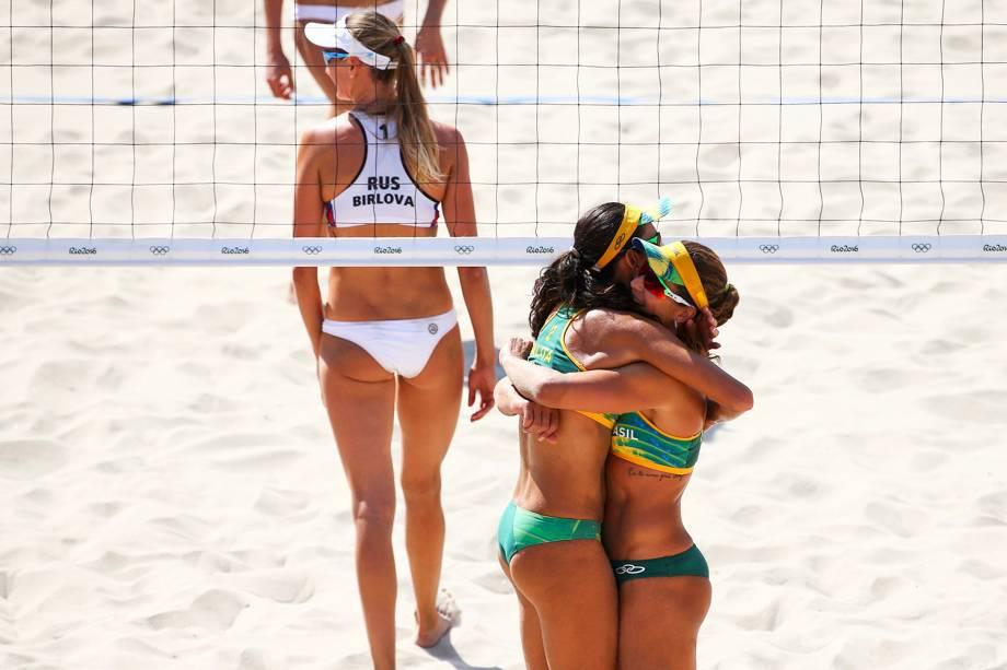 As brasileiras Larissa e Talita, derrotam as russas Evgenia Ukolova e Ekaterina Birlova, na fase preliminar do vôlei de praia feminino de duplas, em partida realizada na Praia de Copacabana - 07/08/2016