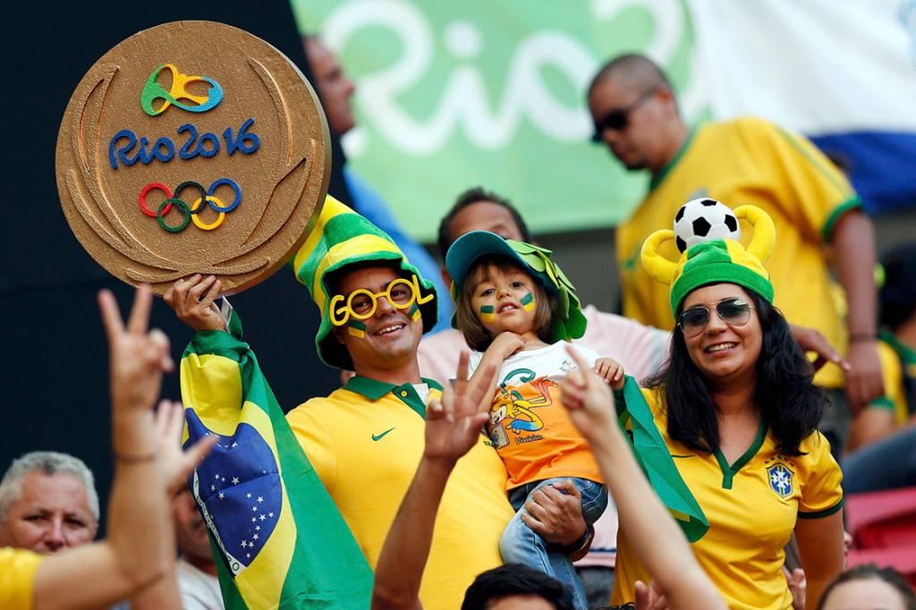 Torcida do Brasil na partida contra a África do Sul no estádio Mané Garrincha, em Brasília