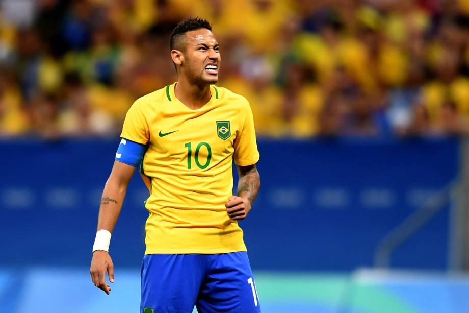 Neymar reage após lance perdido na partida contra o Iraque no Estádio Nacional Mané Garrincha, em Brasília
