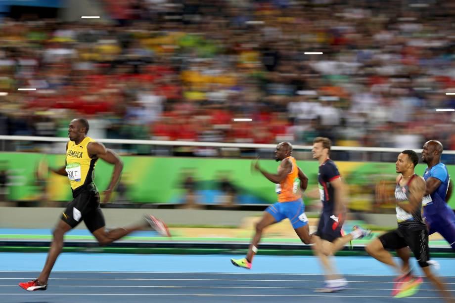 O jamaicano Usain Bolt conquista o tri olímpico nos 200m rasos nos jogos olímpicos Rio-2016