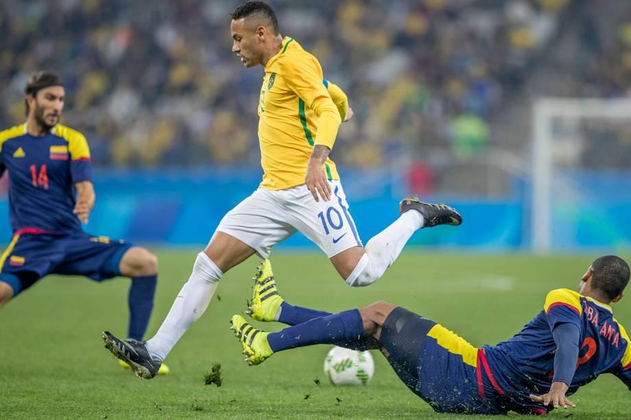 O jogador Neymar durante partida entre Brasil e Colômbia, válida pelas quartas-de-final do futebol masculino, realizada na Arena Corinthians, em Itaquera, zona leste de São Paulo (SP) - 13/08/2016
