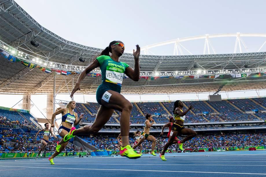 A brasileira Kauiza Venâncio é eliminada nas quartas-de-final dos 200m rasos, durante o quarto dia das competições de atletismo - 15/08/2016