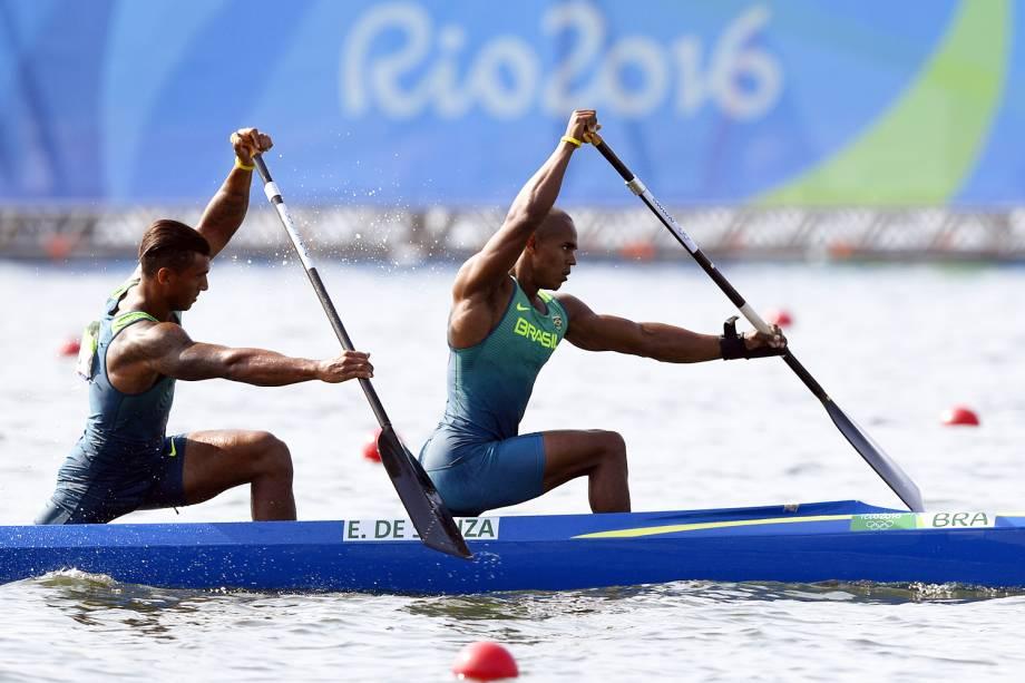 Os canoístas brasileiros Isaquias Queiroz e Erlon de Souza se classificam para a final da canoagem de duplas categoria C2 1000m, no Estádio da Lagoa - 19/08/2016