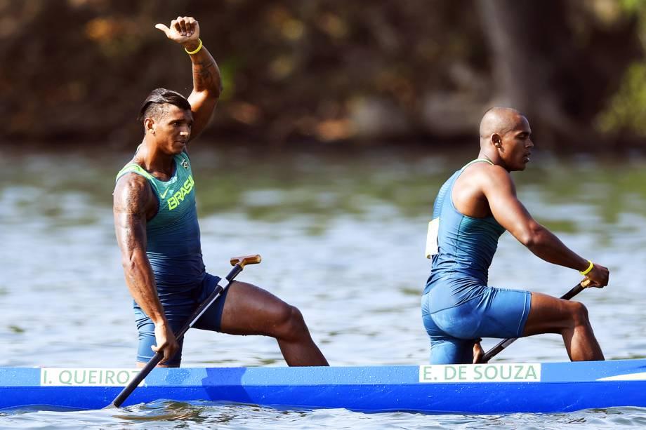 Os canoístas brasileiros Isaquias Queiroz e Erlon de Souza se classificam para a final na categoria C2 1000m