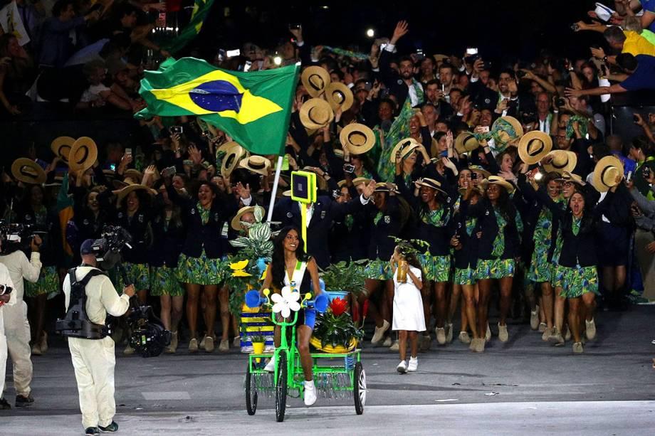 Brasilé a última delegação a entrar na a cerimônia de abertura dos Jogos Olímpicos Rio 2016, no estádio do Maracanã