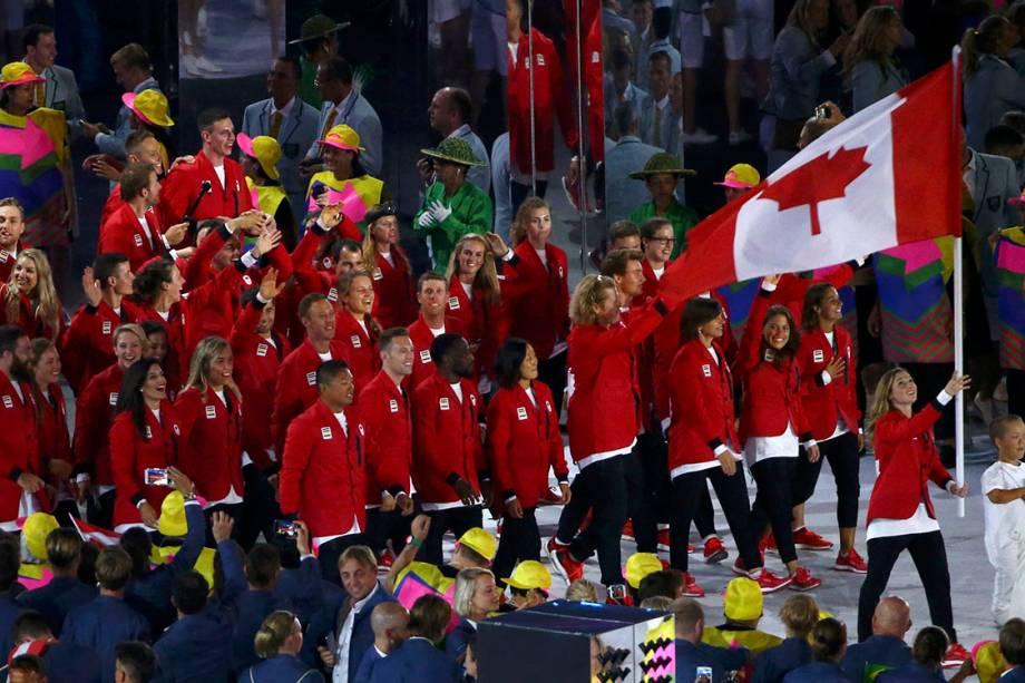 Delegação do Canadá durante a cerimônia de abertura dos Jogos Olímpicos Rio 2016, no estádio do Maracanã