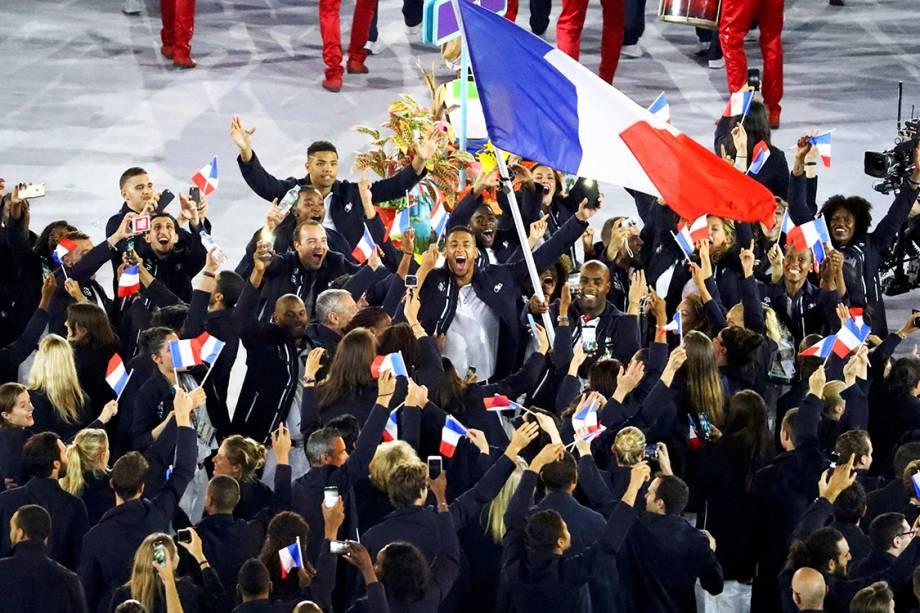 Delegação da França durante a cerimônia de abertura dos Jogos Olímpicos Rio 2016, no estádio do Maracanã