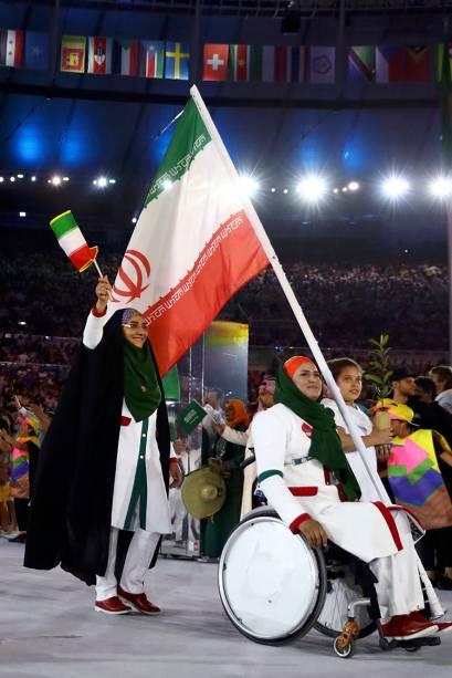 Delegação do Irã durante a cerimônia de abertura dos Jogos Olímpicos Rio 2016, no estádio do Maracanã