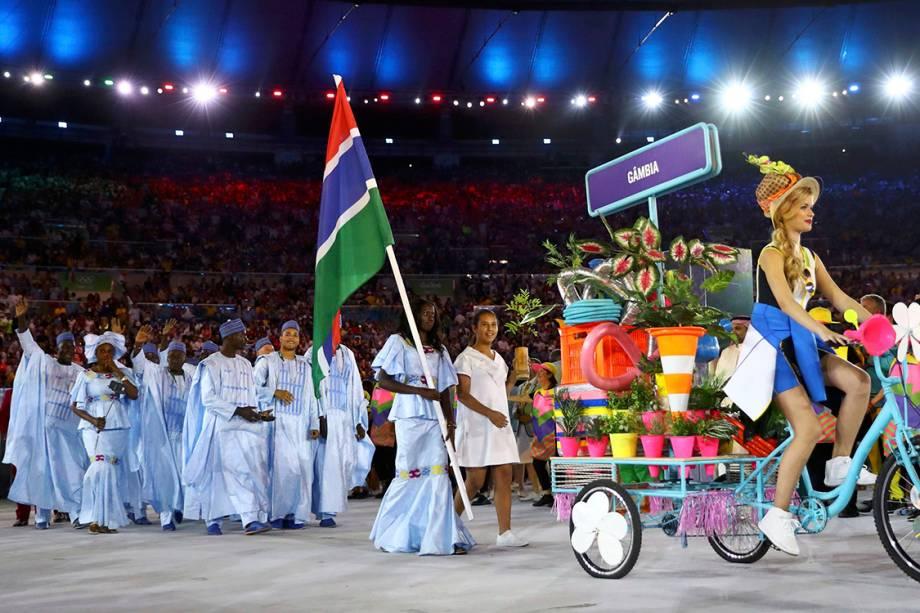 Delegação da Gâmbia durante a cerimônia de abertura dos Jogos Olímpicos Rio 2016, no estádio do Maracanã