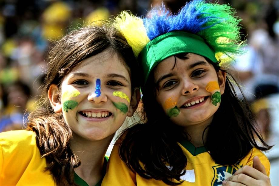 Torcedores mirins durante partida entre Brasil e Canadá, válida pela disputa da medalha de bronze, realizada na Arena Corinthians, zona leste de São Paulo (SP) - 19/08/2016