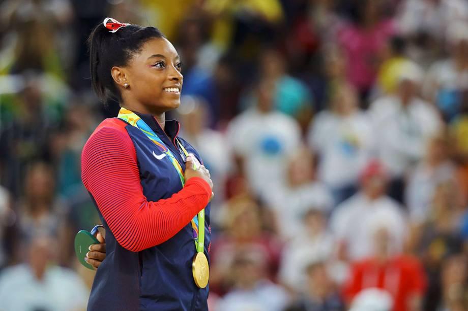 A ginasta americana Simone Biles comemora após ganhar medalha de ouro na prova de salto, na Arena Olímpica - 14/08/2016