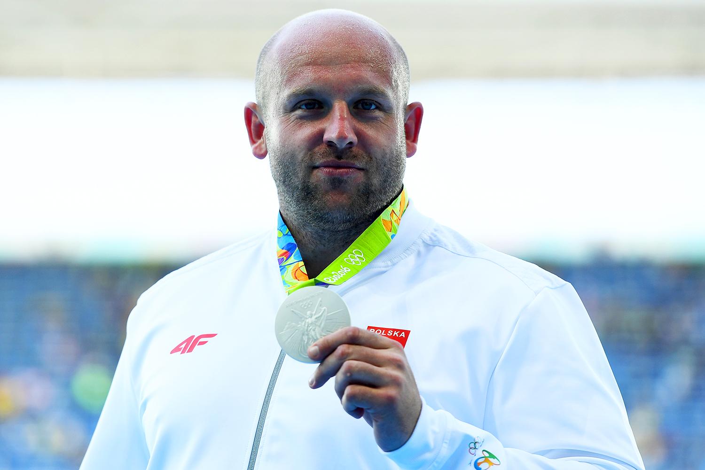 O atleta polonês Piotr Malachowski conquista a medalha de prata no arremesso de disco masculino, no Estádio Olímpico - 13/08/2016