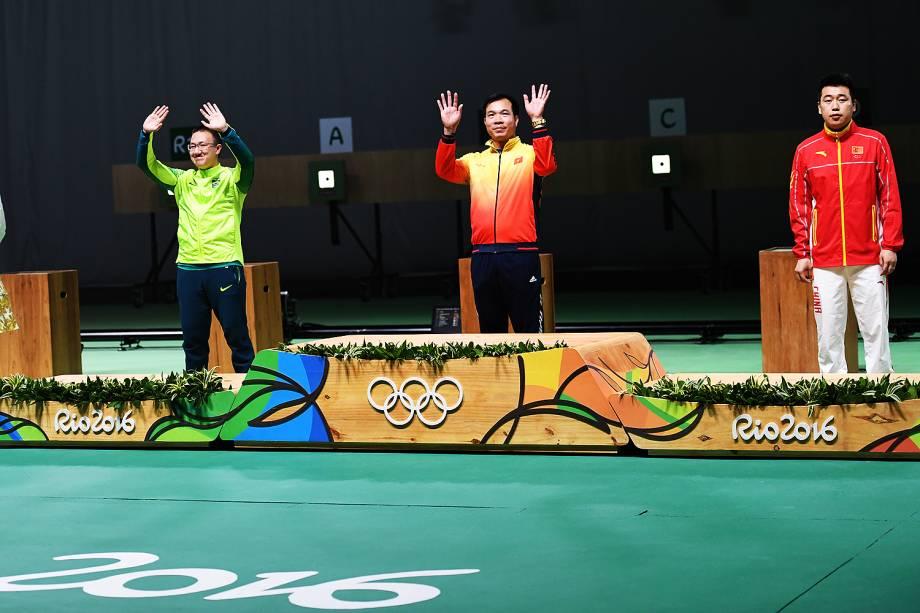 Nos 10m tiro com pistola o vietnamita Xuan Vinh Hoang levou a medalha de ouro, o brasileiro Felipe Wu leva a medalha de prata e o bronze ficou com o chinês Wei Pang