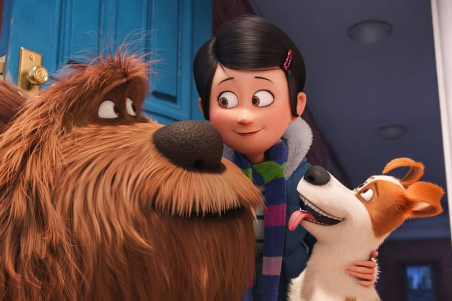 Katie (Ellie Kemper) é dona de Max (Louis C.K) e Duke (Eric Stonestreet), no filme Pets - A vida secreta dos bichos