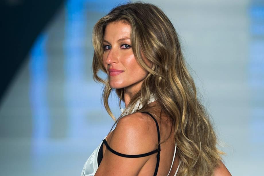 Gisele Bundchen, 35 anos, ganha mais dinheiro do que qualquer outra modelo desde 2002 e mantém o padrão com acordos com a Chanel, Carolina Herrera e Pantene. Entre junho de 2015 e junho de 2016, ela lucrou 30,5 milhões de dólares.