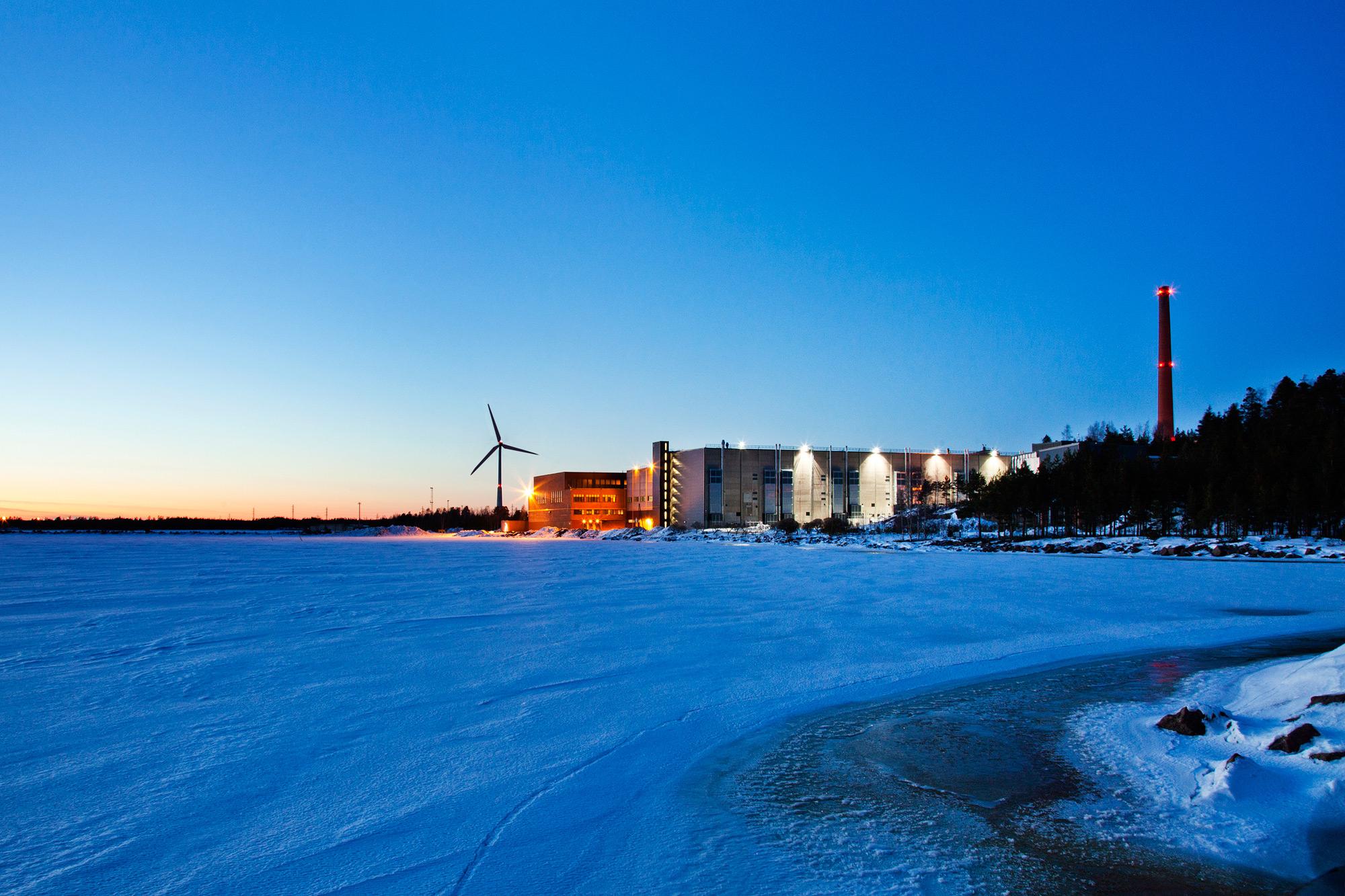 Data center do Google em Hamina, Finlândia, construído em uma antiga fábrica de papel