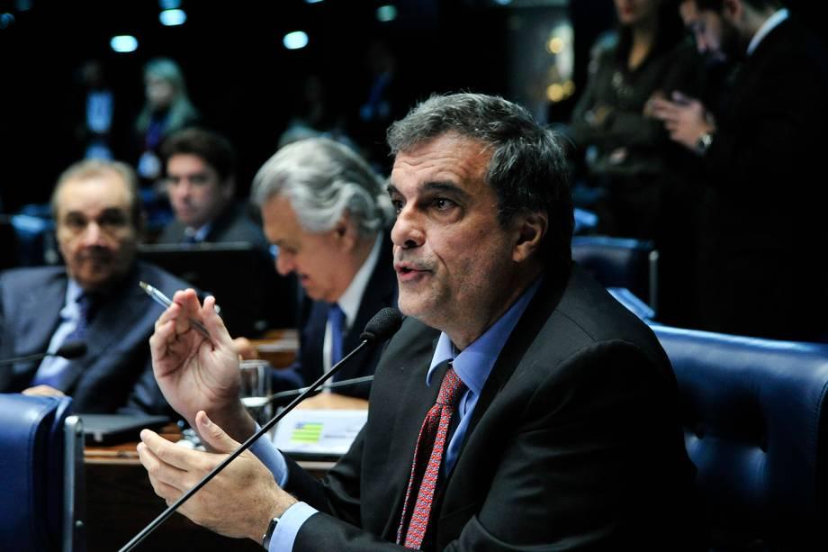 O advogado de defesa José Eduardo Cardozo durante sessão para votação do julgamento final do processo de impeachment da presidente afastada Dilma Rousseff, no plenário do Senado - 25/08/2016