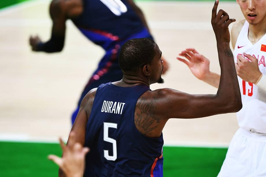 Klay Thompson, dos Estados Unidos, durante o jogo contra a China, na Olimpíadas Rio 2016