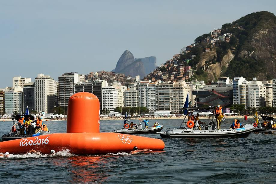 Praia de Copacabana, no Rio de Janeiro, é palco da prova de maratona aquática feminina nos Jogos Olímpicos Rio-2016