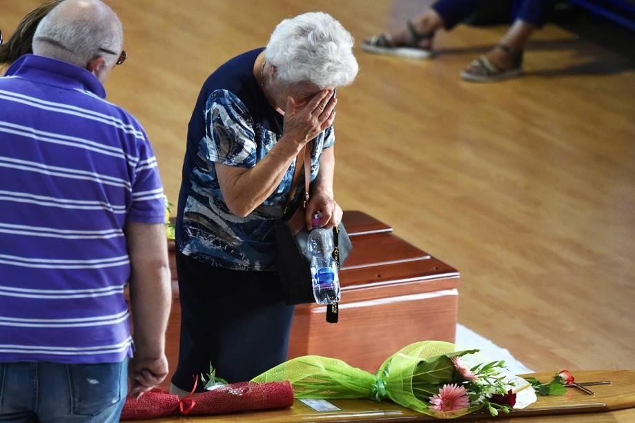 Funeral coletivo das vítimas do terremoto que atingiu a região central da Itália, no ginásio de Ascoli Piceno - 27/08/2016