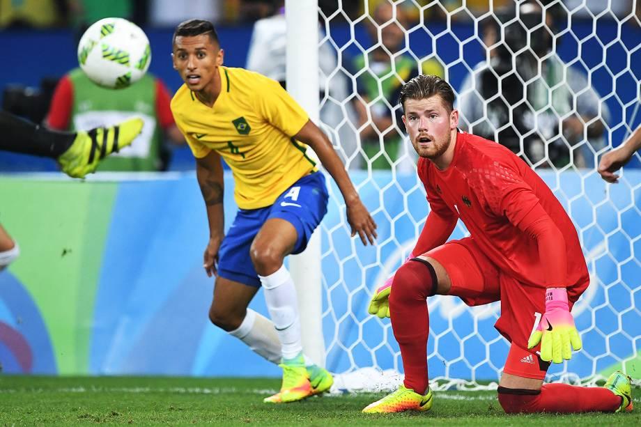 Lance na partida entre Brasil e Alemanha, pela final do futebol masculino nos Jogos Olímpicos Rio 2016