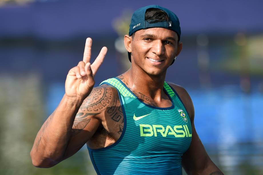 Isaquias Queiroz ganha medalha de bronze na canoagem - 18/08/2016