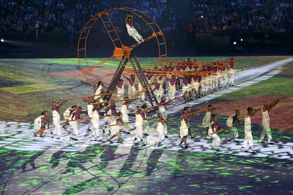 Escravos chegando ao Brasil, durante a cerimônia de abertura dos Jogos Olímpicos Rio-2016, no Estádio do Maracanã - 05/08/2016