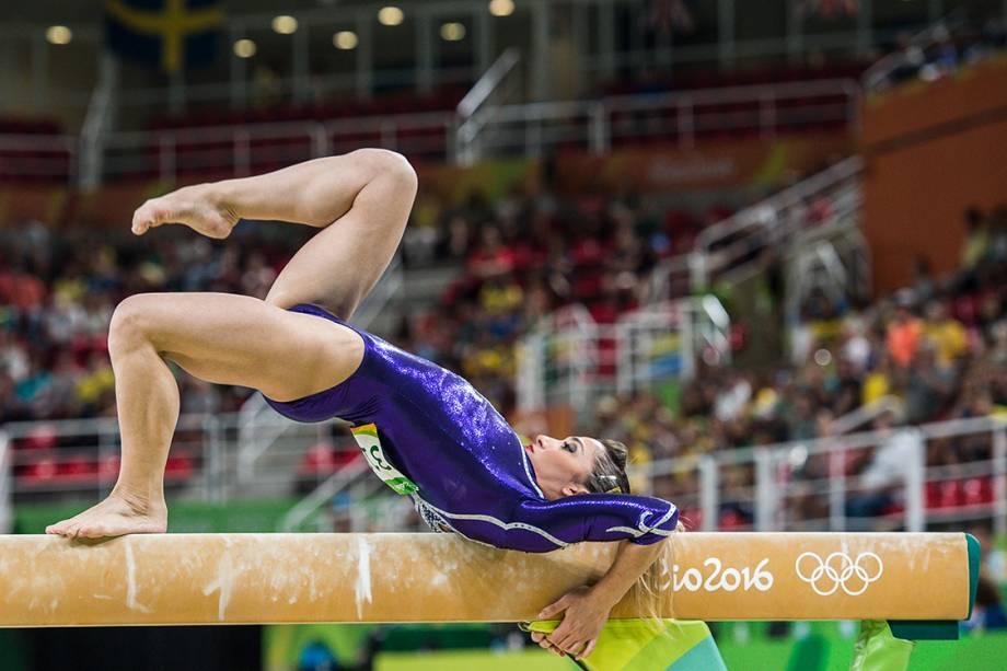 Daniele Hypolito se apresenta na trave de equilíbrio pelos Jogos Olímpicos Rio-2016 na Arena Olímpica da Barra