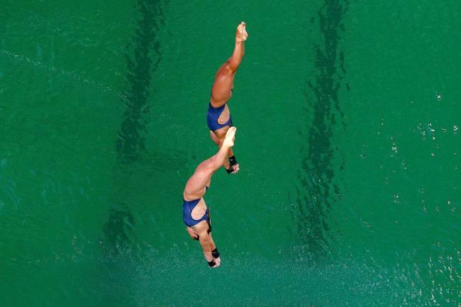 Dupla inglesa de saltos ornamentais sincronizados competem pela Rio 2016 no Centro Aquático Maria Lenk, no Rio de Janeiro